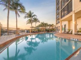 Holiday Inn Club Vacations Sunset Cove Resort, an IHG Hotel, hotel near Esplanade Shoppes, Marco Island