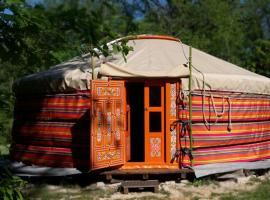 Les yourtes de Bascot, luxury tent in Vaylats