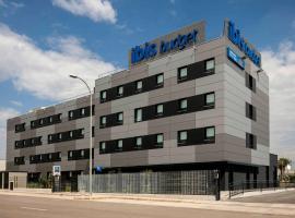 Ibis Budget Valencia Alcasser, hotel in Silla