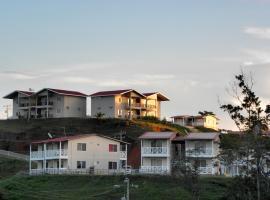 Bocas Ridge Hotel & Residences, hotel en Changuinola