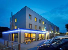 ibis budget Aachen Raeren Grenze, hotel in Raeren