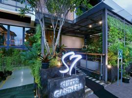 S7 SUITES GANDARIA, hotel near Blok M Square, Jakarta