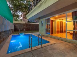 Casa Springfield by Vista Rooms, hotel with pools in Lonavala