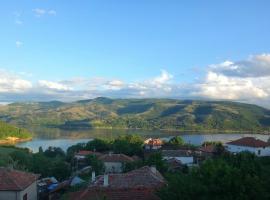 Mihaela Lake Retreat, hotel near Perperikon, Gnyazdovo