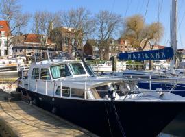 Boot & Breakfast - slapen op het water, boat in Enkhuizen