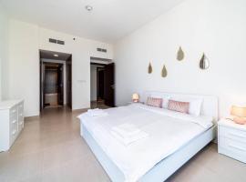 Stunning Brand New 3B/R apartment Dubai Waterfront, budget hotel in Dubai