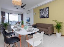 Seaview Condo near Gurney, by Sanguine, apartment in Tanjong Tokong