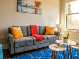 1 BR Apt Near Convention Center by Frontdesk, apartment in Fort Worth