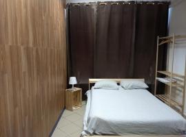 Melaya Budget Hostel, hostel in Faro