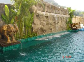 SM Resort, hotel in Patong Beach