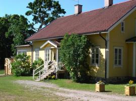 Gula Villan, hotel in Utö
