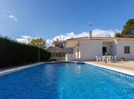 Gran casa con piscina_virgen cinta ii, hotel in L'Ametlla de Mar