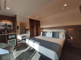 Best Western Premier Hotel Dante, hotel near Passeig de Gracia Metro Station, Barcelona