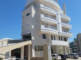 Residencial Baía dos Golfinhos, apartment in Bombinhas