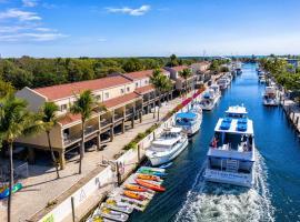 Waterside Suites and Marina, inn in Key Largo