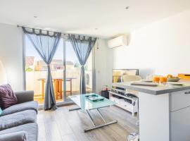 Air-conditioned duplex w sunny balcony and pool in Port-Cogolin - Welkeys, hôtel à Cogolin