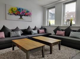Neues Ferienhaus mit großem Garten für 15-22 Personen im Oberharz jetzt wieder buchbar!, Ferienwohnung in Sankt Andreasberg
