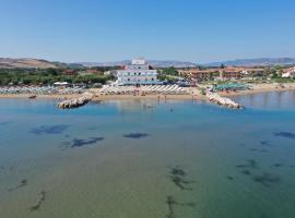 Hotel Strand, hotel a Marina di Montenero