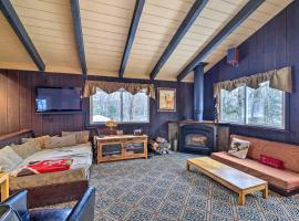 All-Season Mountain Retreat, 4 Mi to Ski Lift, hotel in Waitsfield
