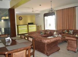 Alive Serviced Apartments Panchsheel Park, budget hotel in New Delhi