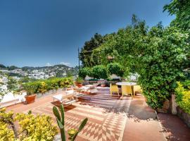 Charming Villa, holiday home in Capri