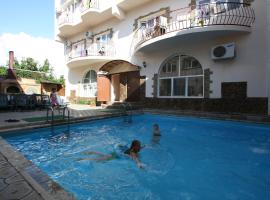 Maksimus Hotel, hotel with jacuzzis in Anapa
