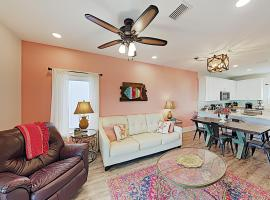 New Listing! Lagoon-Front Townhouse with Pool, Deck townhouse, villa in Gulf Shores