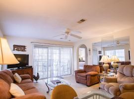 Take A Holiday Condo, apartment in Branson