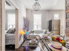 NB Urban Luxury Suites, apartment in Toronto