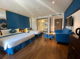 Aloha Hotel Nha Trang, hotel near Xom Moi Market, Nha Trang