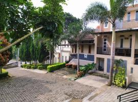 Villa Beverly, villa in Lembang