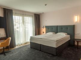 Хотел Амирал (бивш Best Western Park Hotel), хотел близо до Аладжа Манастир, Варна