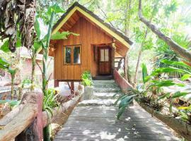 OYO 604 Ruen Mai Horm Resort, hotel in Trang