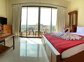 Green Mango Guesthouse, hotel in Patong Beach