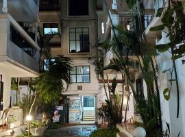 MAGPIE 2BHK Apartment with pool, hotel in Calangute