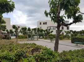 studio 2 personnes accès direct plage - parking privé - 2MIRA6, hotel in Le Barcarès