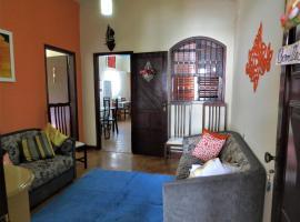 Casa de temporada no Centro de Aparecida, hotel perto de Estação de Ônibus, Aparecida