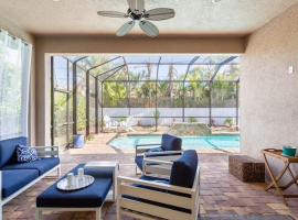 Perfect Naples - Heated Pool - 3 Bedrooms - 3 Full Bathrooms, beach hotel in Naples