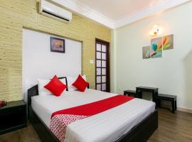 OYO 526 Hoàng Đạt Hotel, hotel near Tan Dinh Market, Ho Chi Minh City