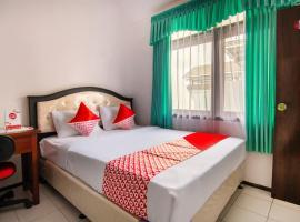 OYO 3067 Flamboyan Residence Syariah, hotel di Batu
