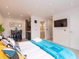 Modern City Center Studio, apartment in Galway