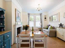 2 Bedroom Apartment, hotel in Harrow