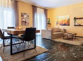 Platonos, Warm 2bedroom Apartment, hotel in Athens