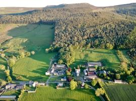 Country Getaway - Tosson Tower Farm, hotel in Rothbury