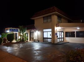 Caravilla Motor Inn, motel in Taree