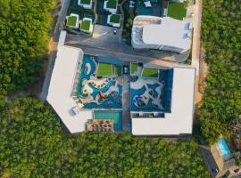 Utopia Loft, hotel near Nai Harn Beach, Nai Harn Beach
