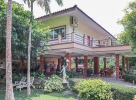 OYO 742 View Pruksa Resort, hotel in Ranong