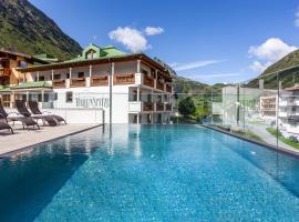 Alpenresidenz Ballunspitze Wellness- & Kinderhotel, hotel in Galtür