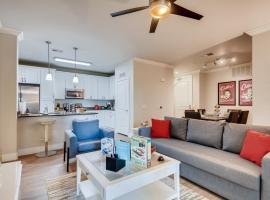 Spectacular Coffee Theme - Fast Wifi - Work Area - 2BR&2Bath - Free Parking! - FV8, apartment in San Diego