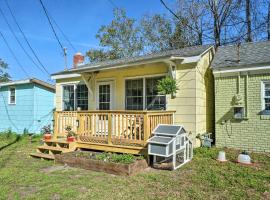 Cozy Tiny House 4 Mi to Downtown Wilmington!, vacation rental in Wilmington